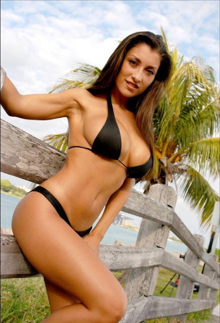 Jessica Canizales Sexy Photos