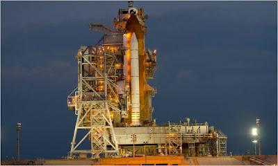 endeavour launch set; giffords returns for husband's flight