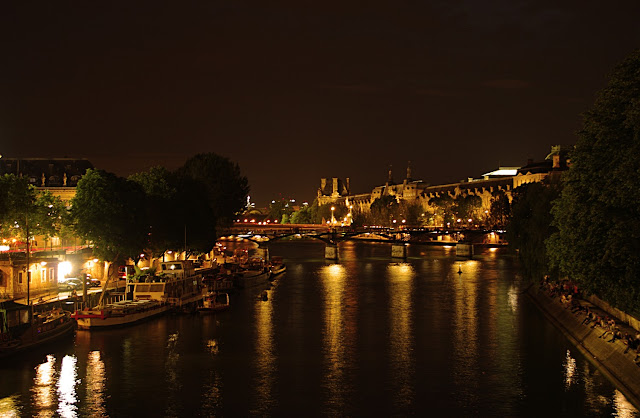 la nuit parisienne Paris night image