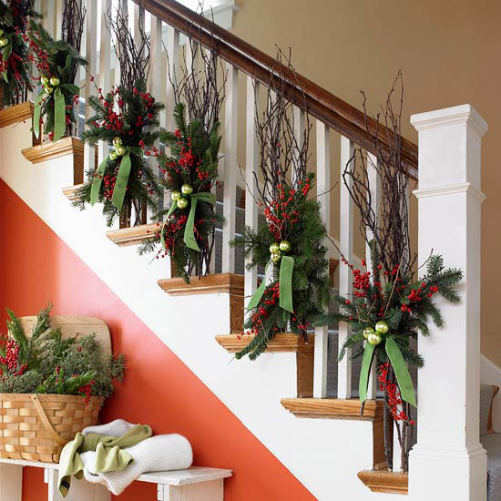 Ginnie 39 S Gems TRANSITIONAL HOLIDAY STAIRCASE DECORATION