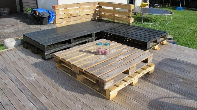 Diy wood pallet couch design ideas inspiring interior for Make a pallet sofa