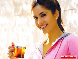 Katrina Kaif Bollywood Hot Pictures, Love Wallpapers,Katrina Kaif Background Wallpapers (2)