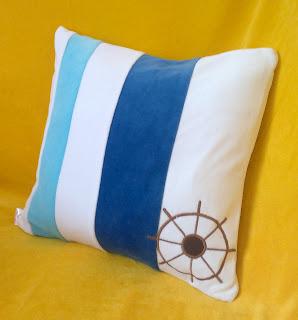 Подушка на морскую тематику