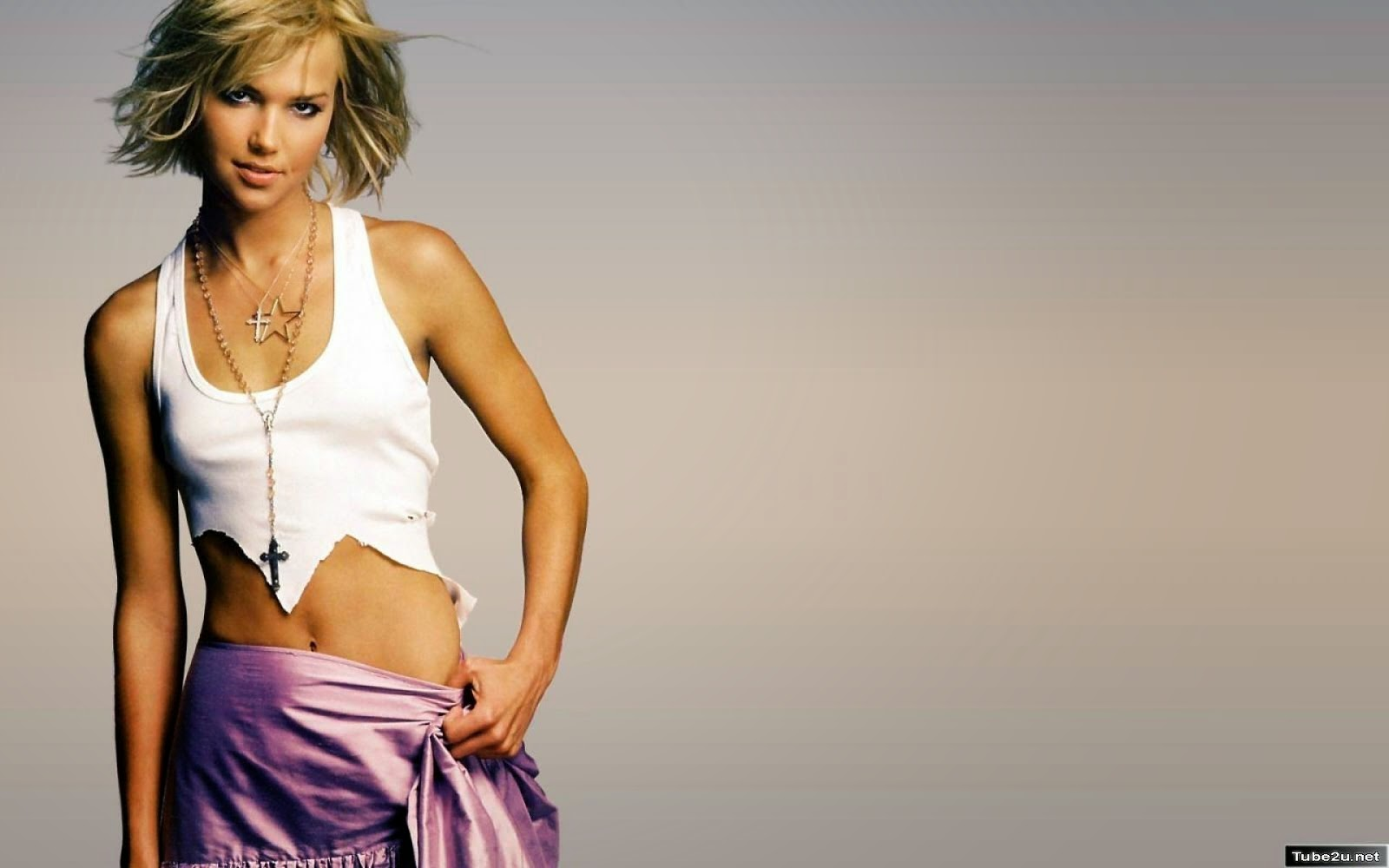 Arielle Kebbel Hot Sey American Model Actress Pictures Caroline