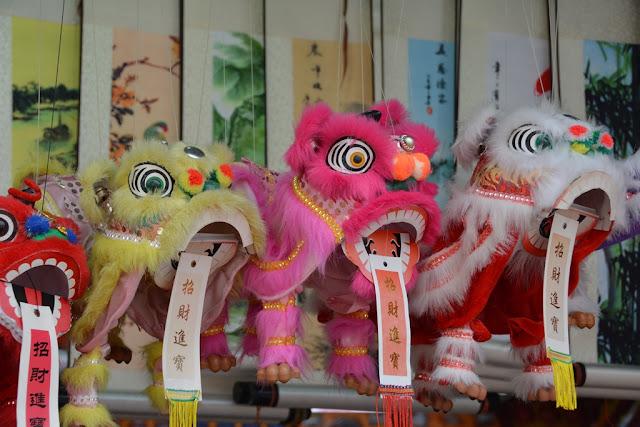 Pagoda Street Singapore dragon