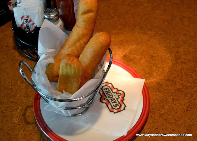 TGIFridays complimentary breadsticks
