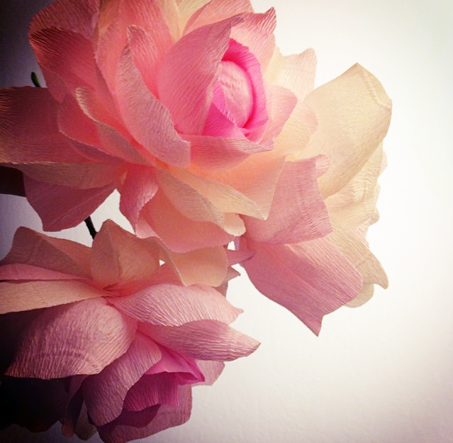 Paper musings paper flowers i do a lot of my crafting painting and paper play at night making a few oversized paper flowers for a wedding this weekend mightylinksfo