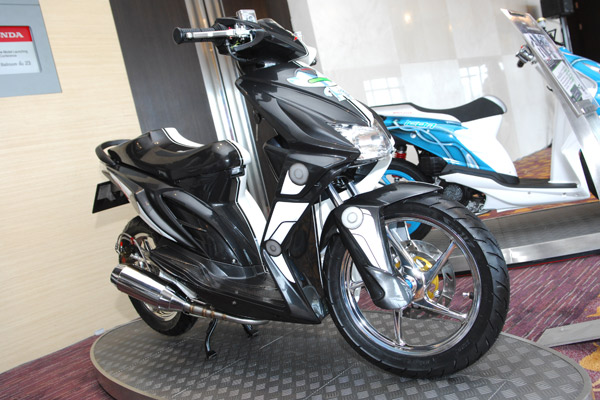 Modifikasi Yamaha Fino Warna Hitam