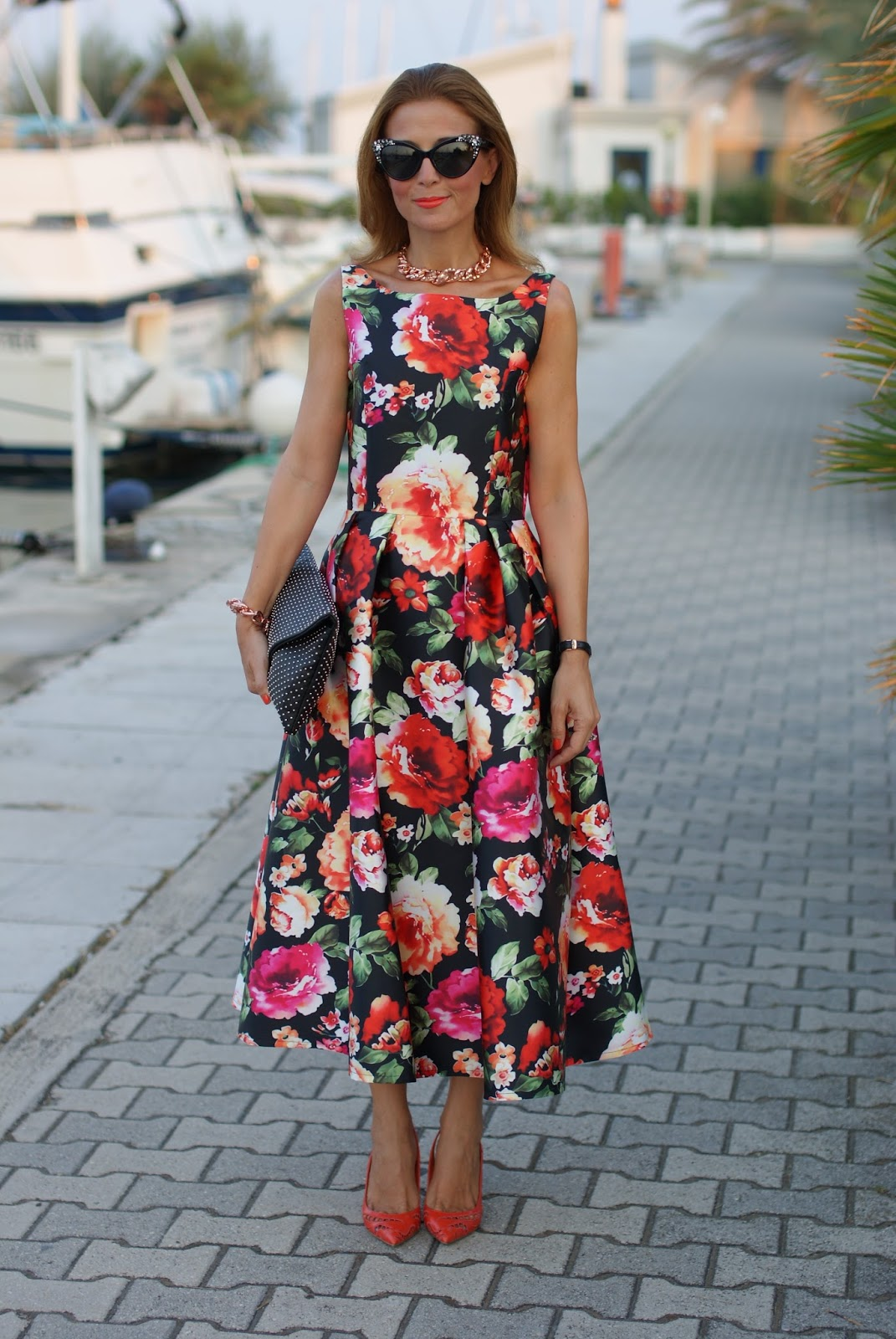 50s style retro floral chic dress and Le Silla orange heels on Fashion and Cookies fashion blog