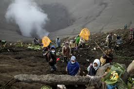 Ritual adat Perayaan Upacara Yadnya Kasada