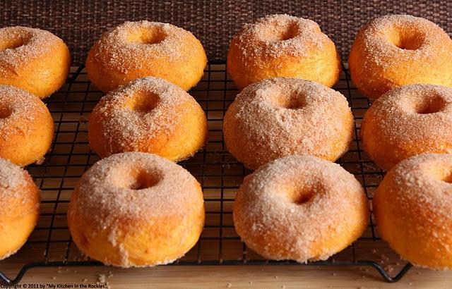 Sweet Life Garden: Cinnamon Baked Sweet Potato Doughnuts