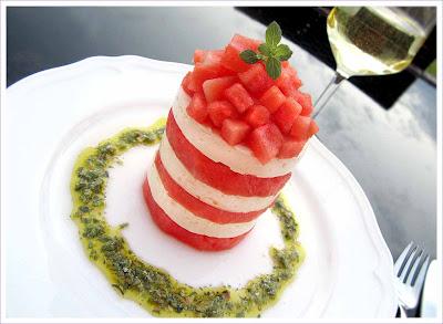Wassermelone und Schafskäse mit Pesto