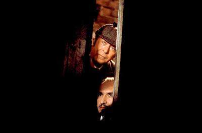 Sin pistas, Michael Caine, Ben Kingsley