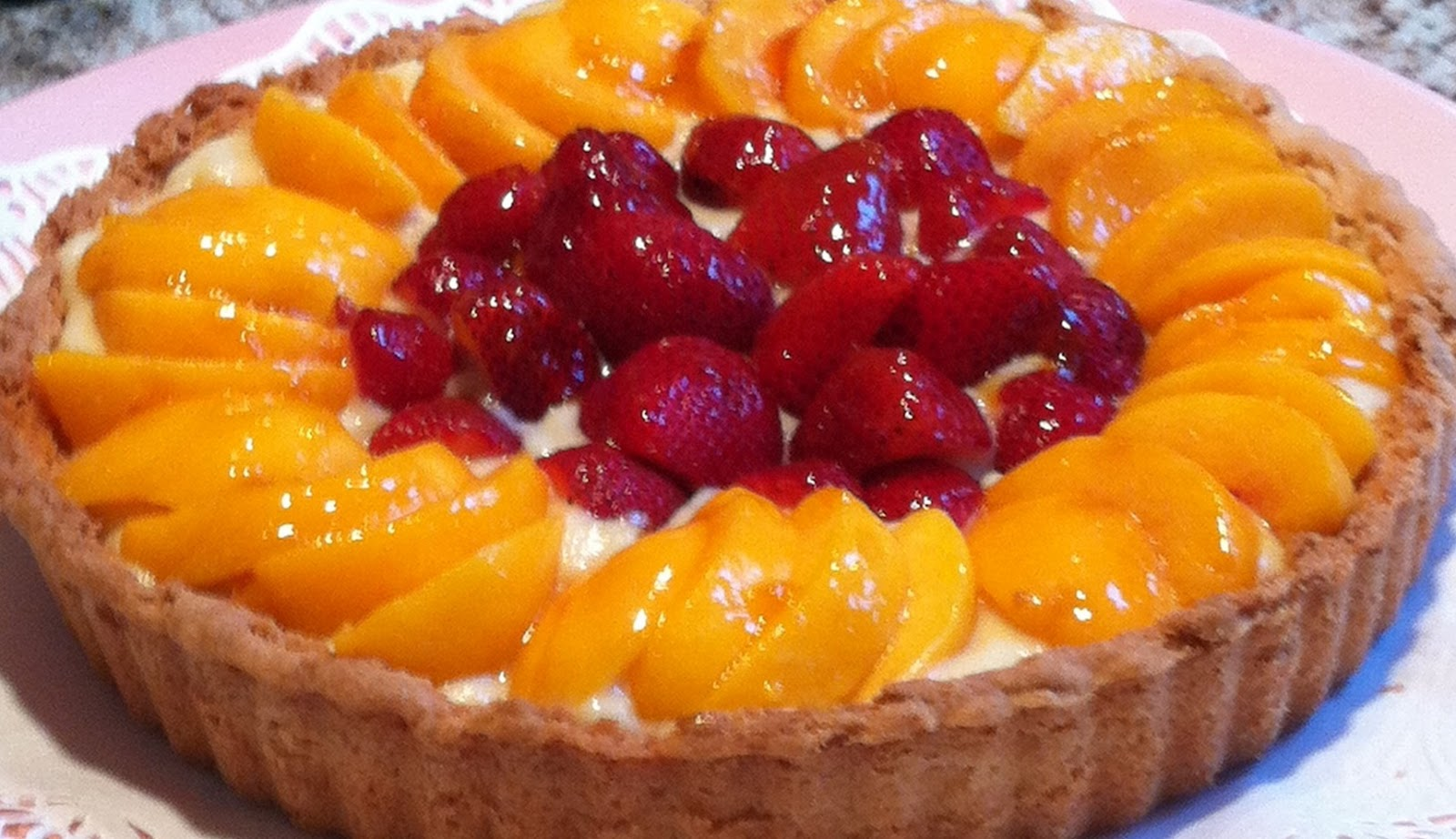 Cobbs Hill: Peach & Strawberry Tart