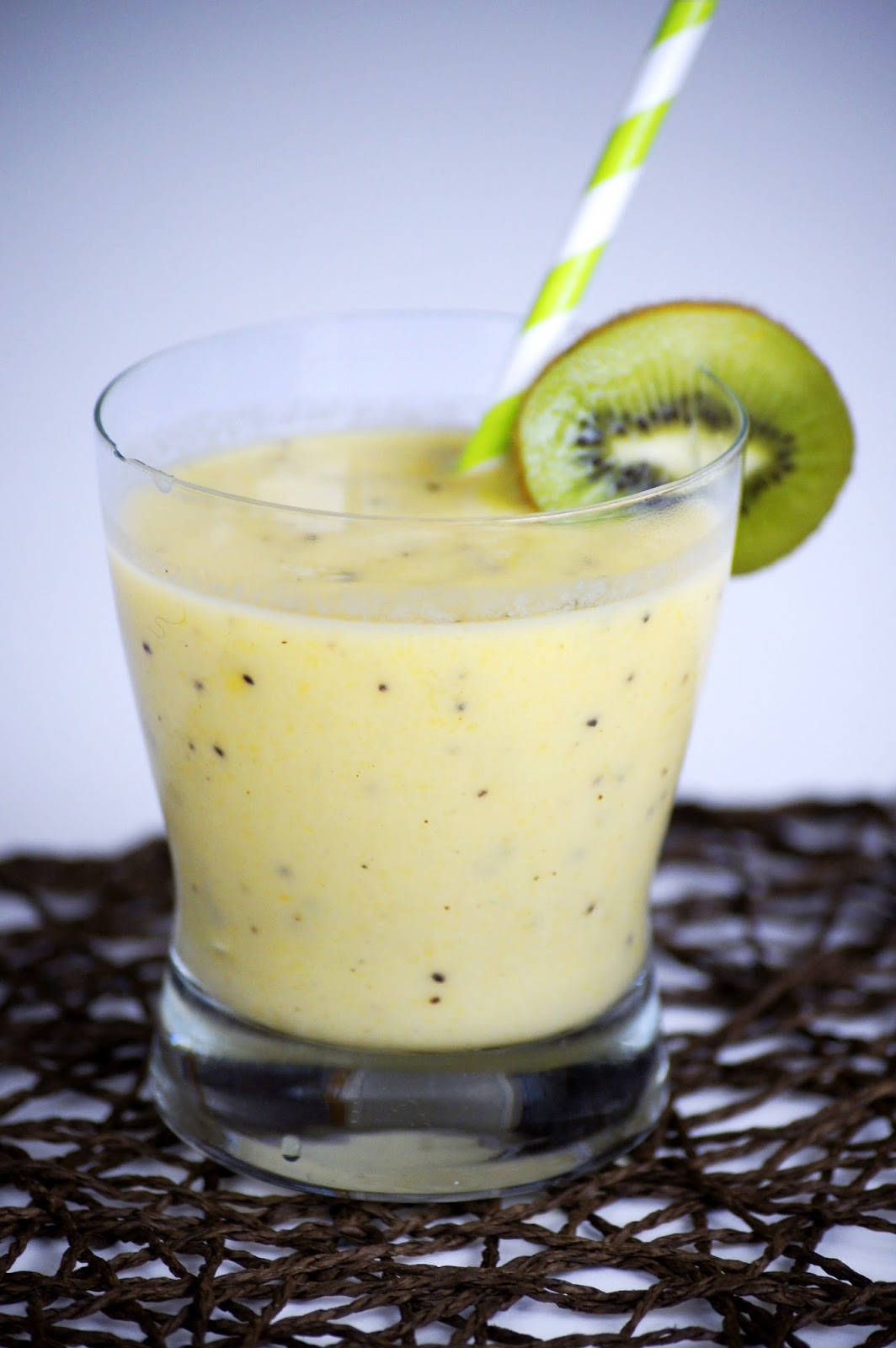 frozen smoothie, dessert, summer drink, honey smoothie, recipe, easy smoothie recipe