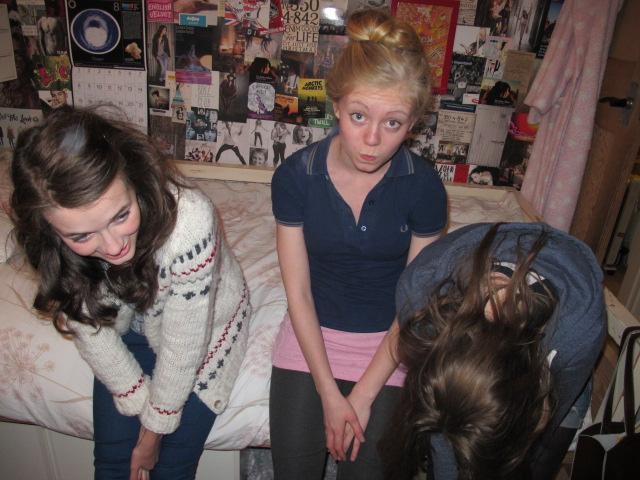 Bilde fra da jeg var på besøk hos Alice (i midten).
