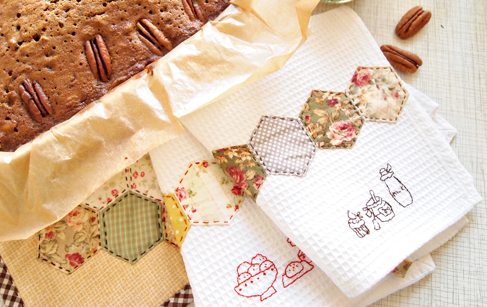 Как оформить вафельное полотенце в подарок своими руками 23