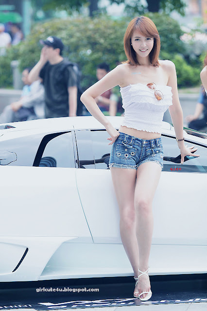 17 Kang Yui-ASUS Lamborghini VX7 Roadshow-very cute asian girl-girlcute4u.blogspot.com