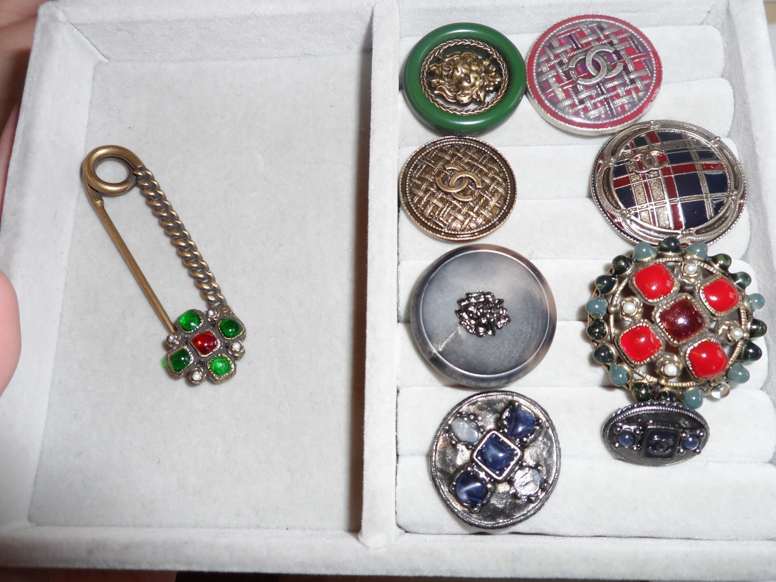 Helen 39 s blog breakfast with chanel for Mary queen of scots replica jewelry