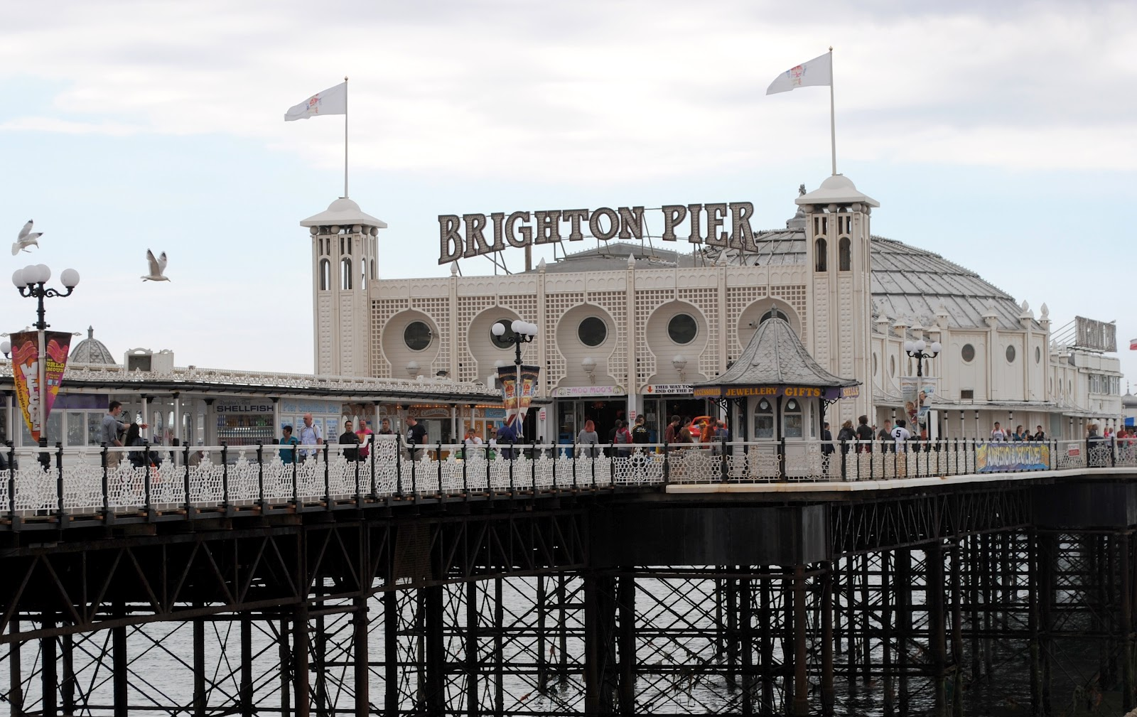 how to travel from heathrow to brighton