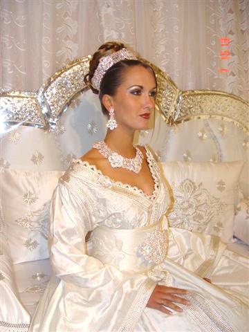 Caftan de mariage blanc takchita marocaine caftan for Kleinfeld mariage robes vente
