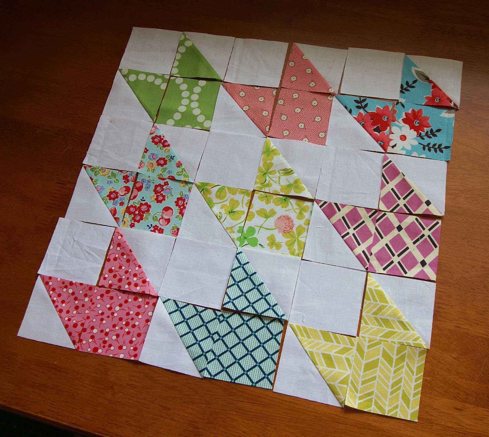 Jedi Craft Girl: Chevron Doll Quilt Tutorial {Contributor}