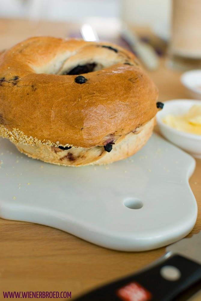 Heidelbeer-Bagels / Blueberry bagels [wienerbroed.com]