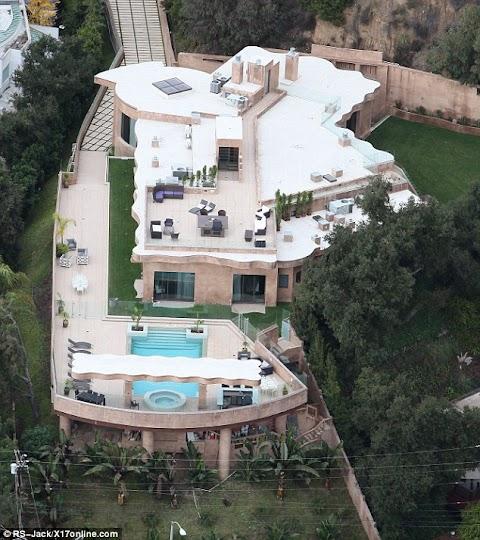 Inside Photos of Rihanna's $10million mansion.
