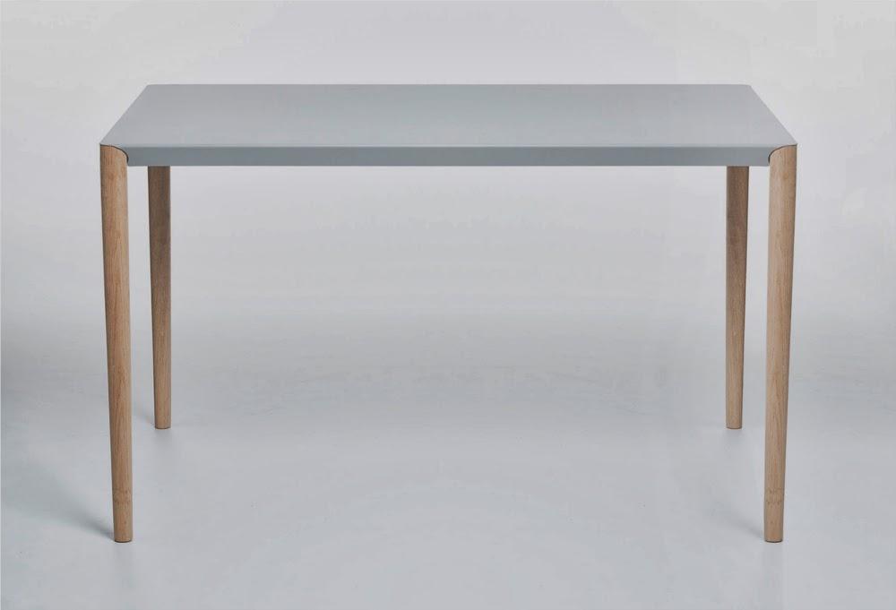 08-Table-Benjamin-Vermeulen-@83nj4m1nv-MAGfurniture-www-designstack-co