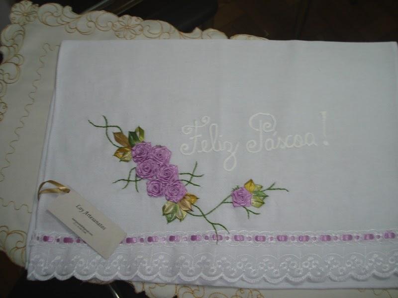Armarinho Fernando Tatuape ~ LOY HANDCRAFTS, TOWELS EMBROYDERED WITH SATIN RIBBON ROSES Pano de Prato bordado com flores de