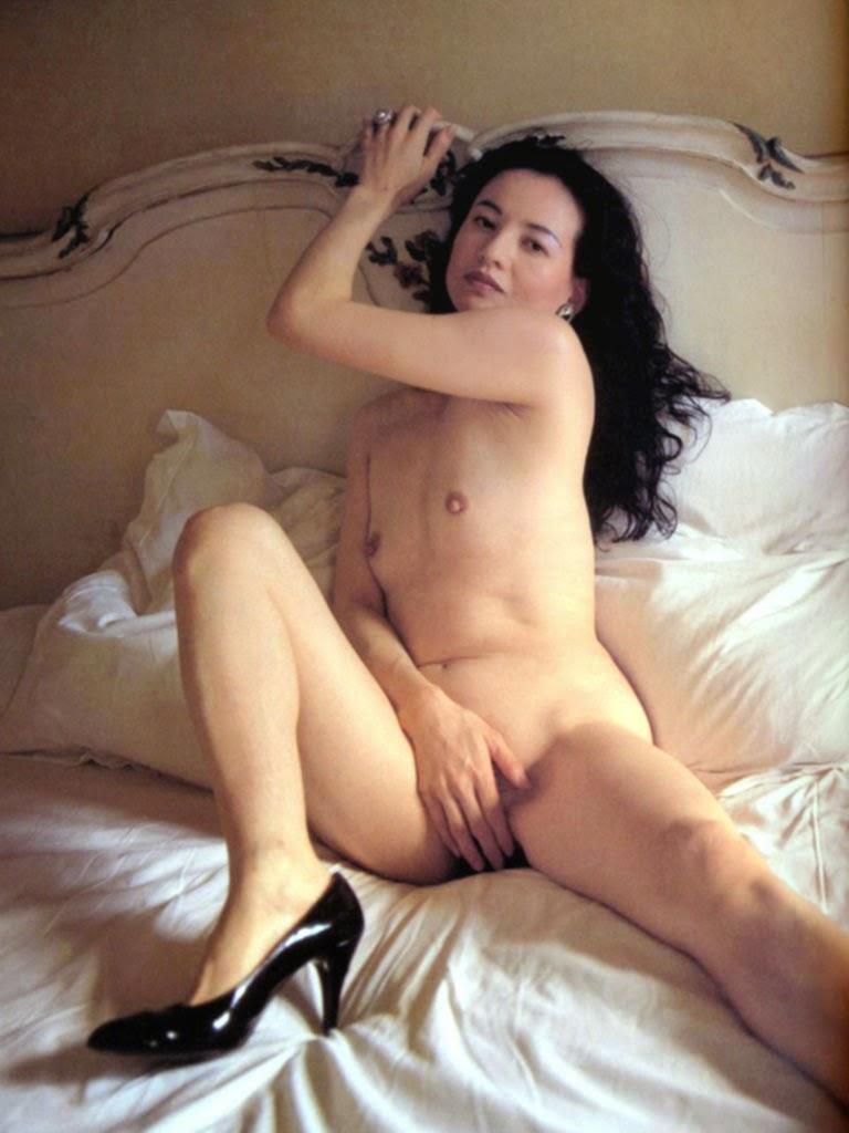 【巨乳セックス動画】美人OLの見事な巨乳は揉み心地最高です。