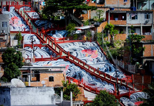 Artista expõe fotos de projeto em favela carioca