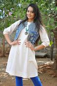Nikitha Narayan new glam pics-thumbnail-19