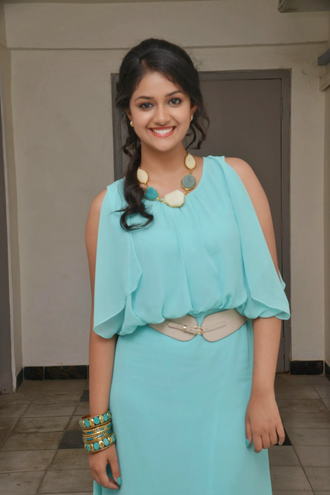 Keerthi Suresh gorgeous photo shoot-HQ-Photo-12