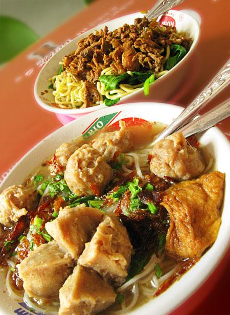 Chicken Bakso/Baso (Indonesian/Timorese Meatballs) Recipe — Dishmaps