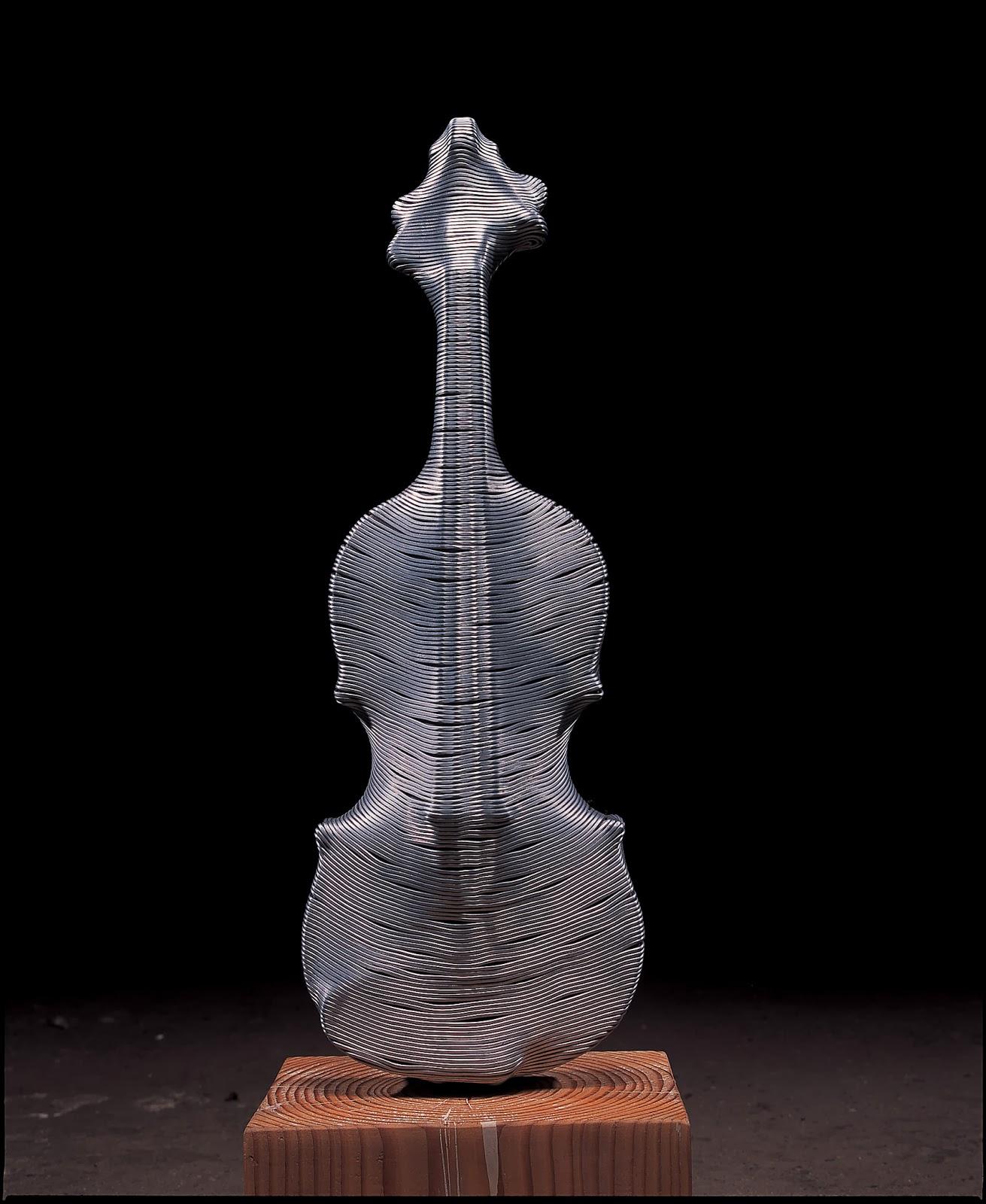 16-Violin-Park-Seung-Mo-South-Korean-Artist-&-Sculptor-Wire-Sculpture-www-designstack-co