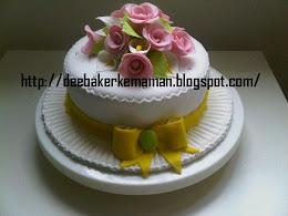 Gumpaste Flower Fondant Cake