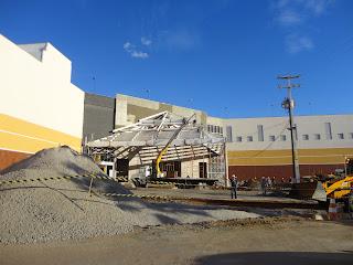 Obras da nova entrada principal do Cariri Shopping.