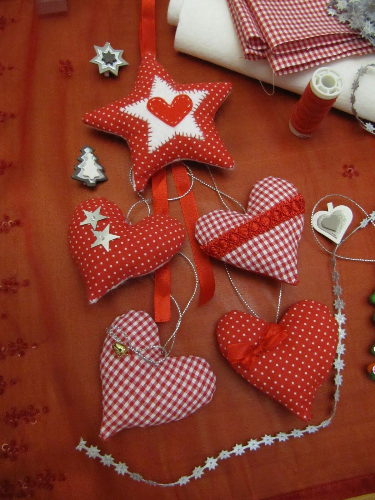 De tot un poc corazones de tela para decorar - Decorar pared con tela ...