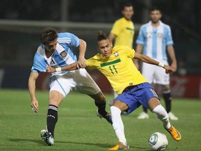 Neymar puso en ventaja a Brasil sobre Argentina