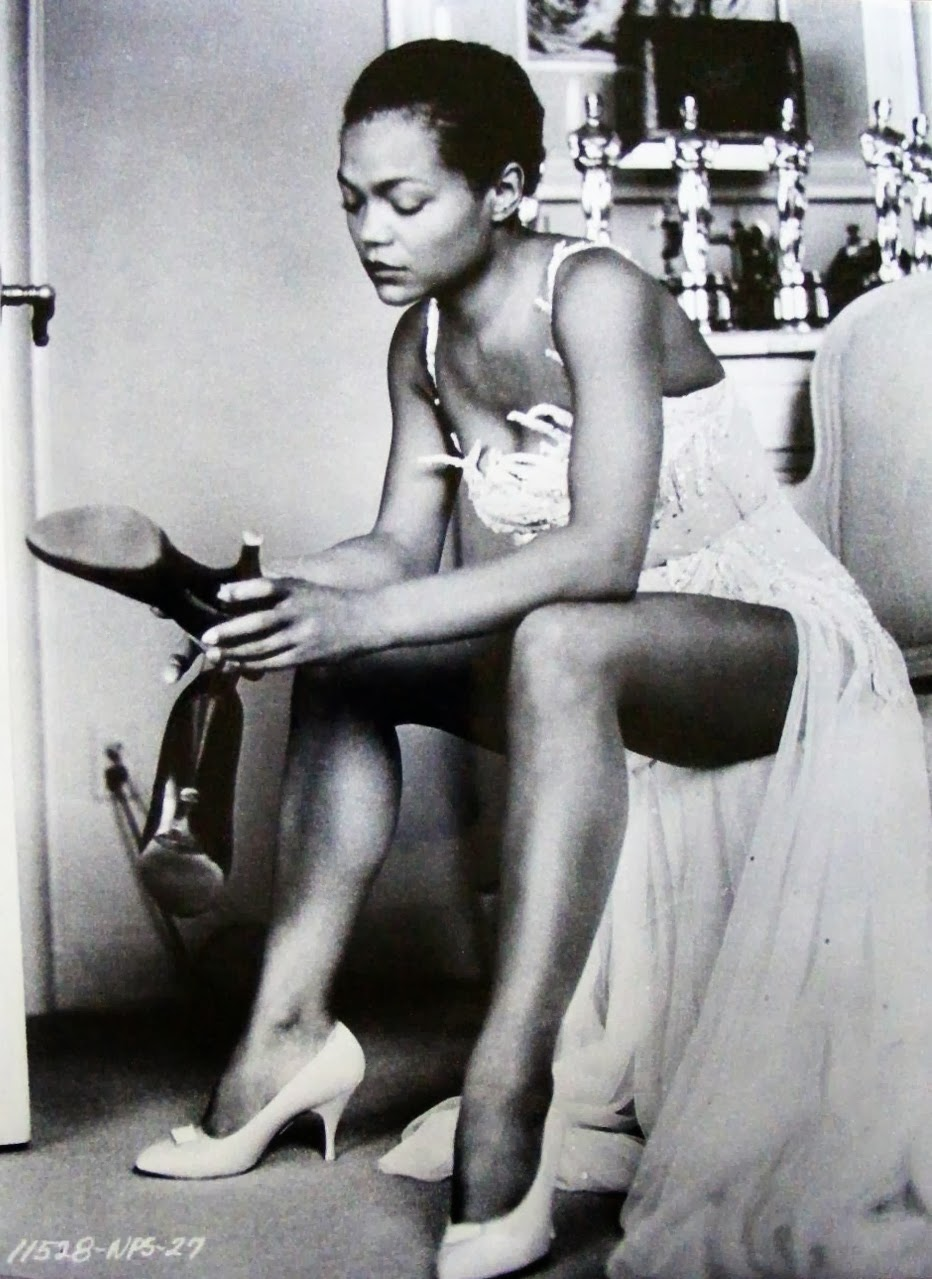 Eartha Kitt in 1968 at ~30.