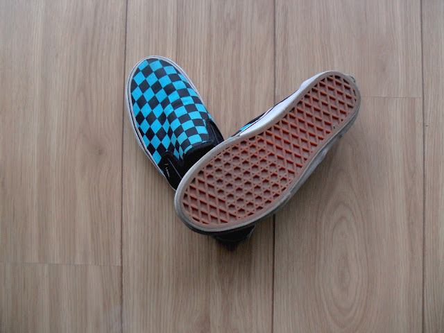 Chão de madeira e sola de tênis Vans