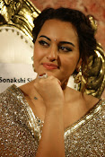 Sonakshi Sinha at Lingaa Audio-thumbnail-5