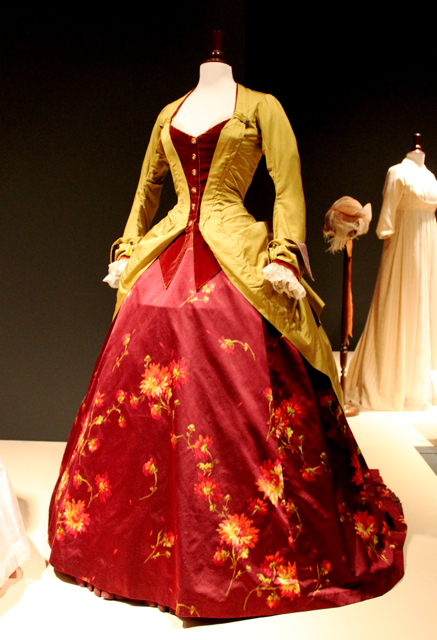 Get the amount of poof in carlotta s dress from phantom of the opera