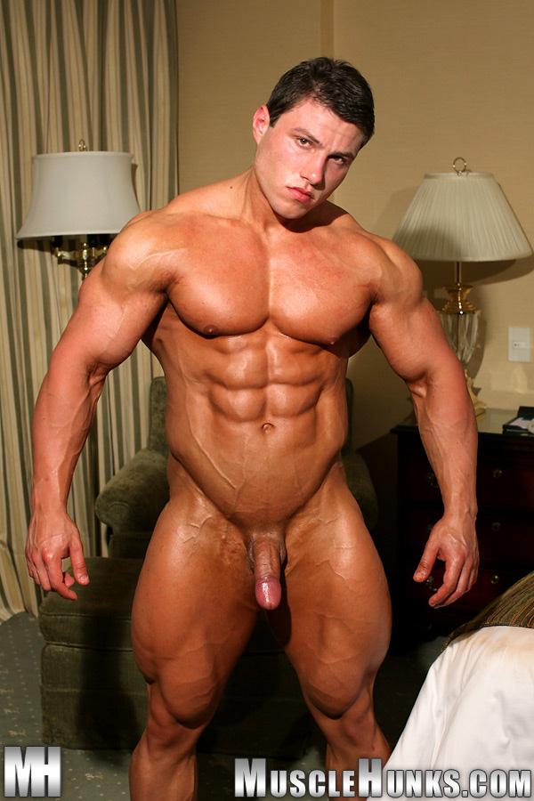 Cock And Tail Time: Naked bodybuilder Boris Makov