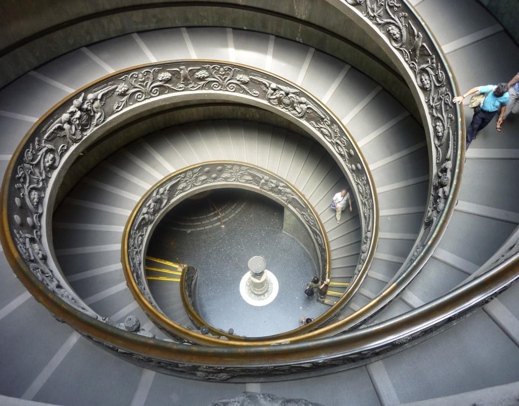 Viajando yo escalera helicoidal de los museos vaticanos for Escalera 9 escalones