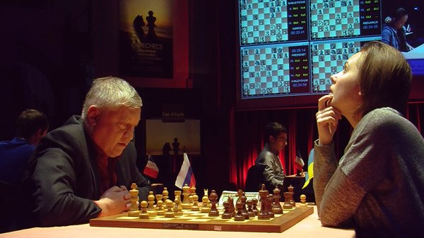 Ronde 4 du Trophée d'échecs Karpov 2015: victoire en finale d'Anatoly Karpov face à la championne du monde d'échecs Mariya Muzychuk - Photo © Capechecs  - Photo © capechecs