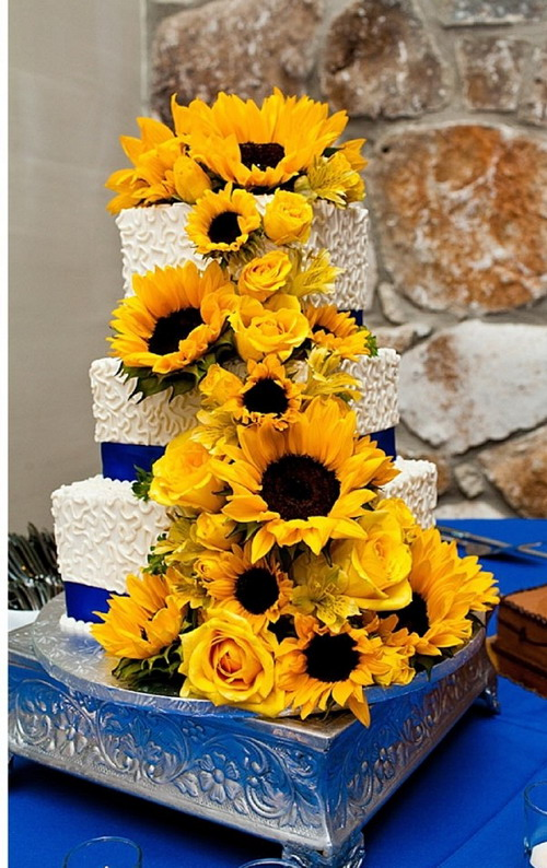 WEDDING CAKE: sunflower wedding cakes