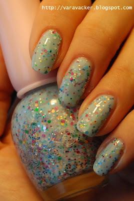 naglar, nails, nagellack, nail polish, blått, blue, blå måndag, glitter,