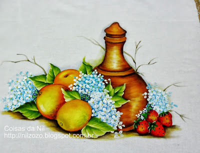 pintura de moringa e frutas em tecido